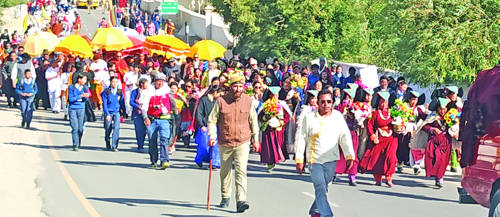 Leh accords grand reception to 'Pad Yatra for World Peace'