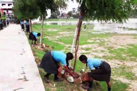 A school charges waste instead of fees in Bodh Gaya