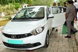 Nitish Kumar Promotes Electric Vehicles, Reaches Bihar Assembly in Tata Tigor EV