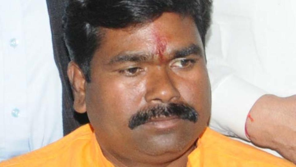 6 held for pelting stones at BJP lawmaker's car in Ranchi