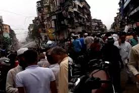 Labourer dies as building collapses in Masjid Bunder