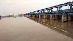 Ganga overtops red mark in Patna, low-lying areas face submergence