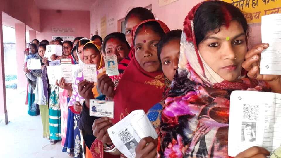 Maoist-hit areas vote today in round three of Jharkhand polls.