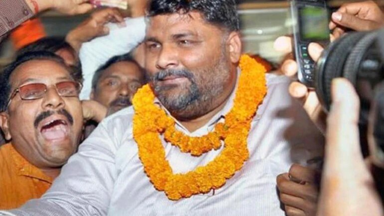 Pappu Yadav lauds Hyderabad cops, promises to reward Bihar police for similar encounter.