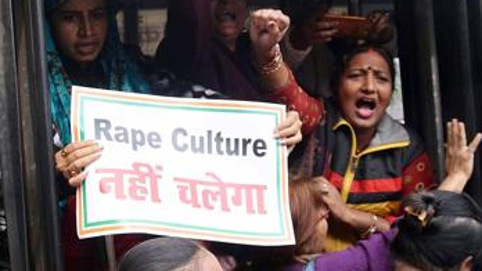 Main accused in Patna gang-rape case surrenders.